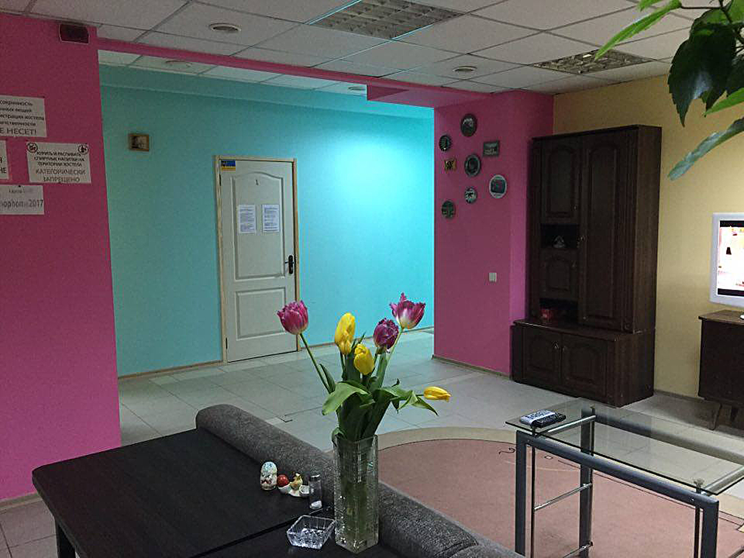 New cheap hostel with separate rooms near metro