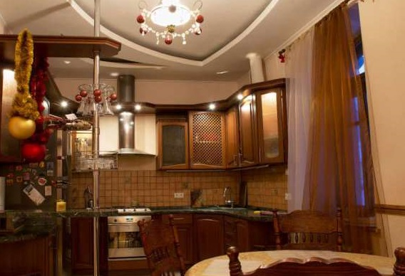 For daily rent luxury 4-rooms apartment in Kharkov