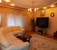 Lux house for rent in Kharkov 3 levels, 350 sq.m.