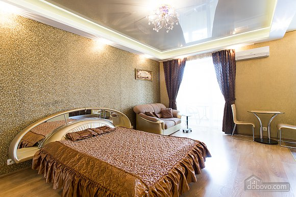 32$ Luxury flat for daily rent near Naukova metro in Kharkov